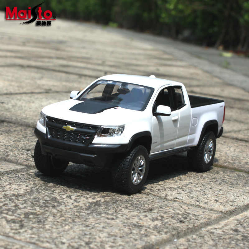 Maisto 1:24 2017 Chevrolet Colorado Pickup car model simulation car decoration collection gift toy