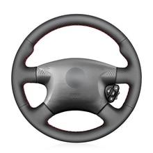 Capa de volante do carro de couro sintético do plutônio preto costurado à mão para nissan almera (n16) x trail (t30) terrano 2 almera tino