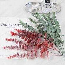 محاكاة النباتات الخضراء واحدة أوراق الأوكالبتوس تقليد فرع جاف ورد صناعي اصطناعي الزفاف اطلاق النار الدعامة ديكور المنزل