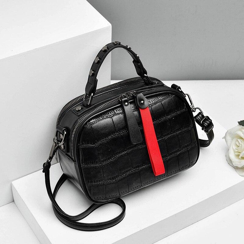 Image 4 - New 2019 Fashion Women Bag One shoulder Leather Handbags Korean Shoulder Bag Small Flap Crossbody Bags For Women Messenger BagsShoulder Bags   -
