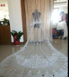 Best Selling Luxe Bruiloft Sluiers Drie Meter Lange Veils Lace Applique Kristallen Twee Lagen Kathedraal Lengte Goedkope Bruidssluier