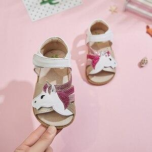 Image 2 - TipsieToes Top marka jednorożce miękka skóra w lecie nowe dziewczyny dzieci buty z palcami sandały dziecięce maluszek mały 1 12 lat