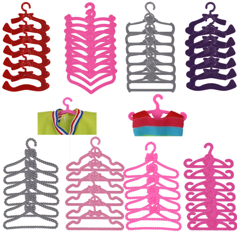 20 Pcs / Lot Dolls Accessories Cute Mini Mixed Plastic Pink Hangers  For Barbies Doll Wardrobe Dress Clothes Dollhouse Toy-0