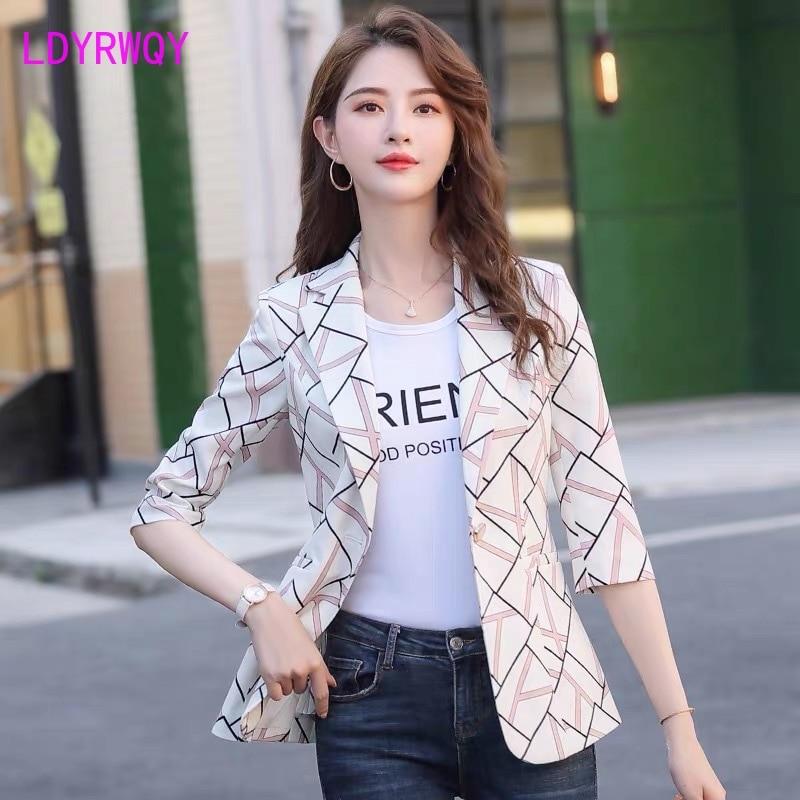 2020 new spring and summer ladies Korean style plaid suit feminine slim Three Quarter  Office Lady  Single Button