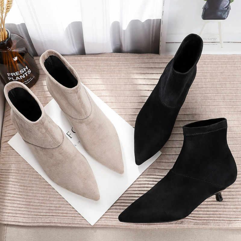 Năm 2020 Nữ Thu Đông Cổ Chân Giày Giày Chắc Chắn Đen Bò Cột Dây Mũi Nhọn Cao Su Sang Trọng Gợi Cảm Mỏng Cao Cấp gót Giày Bốt Nữ