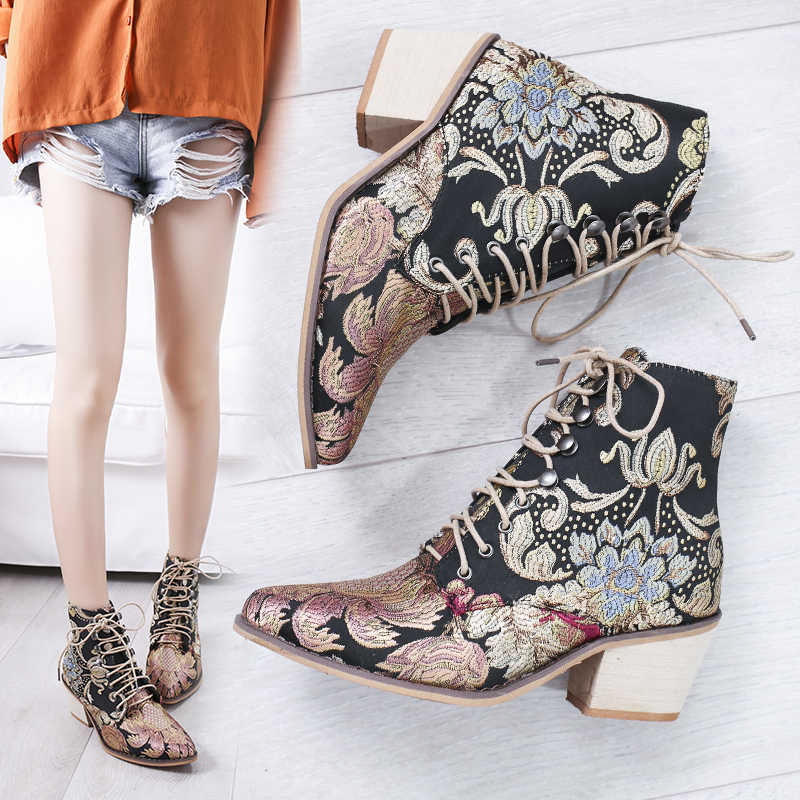 Puimentiua ผู้หญิงเย็บปักถักร้อยดอกไม้สั้น Lady Lace Up รองเท้าข้อเท้า Retro หญิง Botas Mujer Pointed Toe รองเท้าส้นสูง