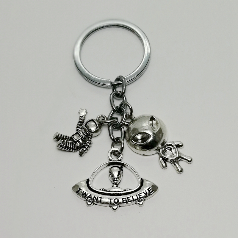 i want to believe UFO Keychain UFO Alien Keychain Aircraft Accessories UFO Lovers Gifts