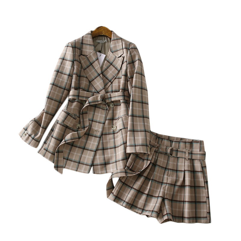 A Generation Of Elegant Belt Waist Hugging Plaid Suit Jacket Wide-Leg Shorts Two-Piece Women's Entity