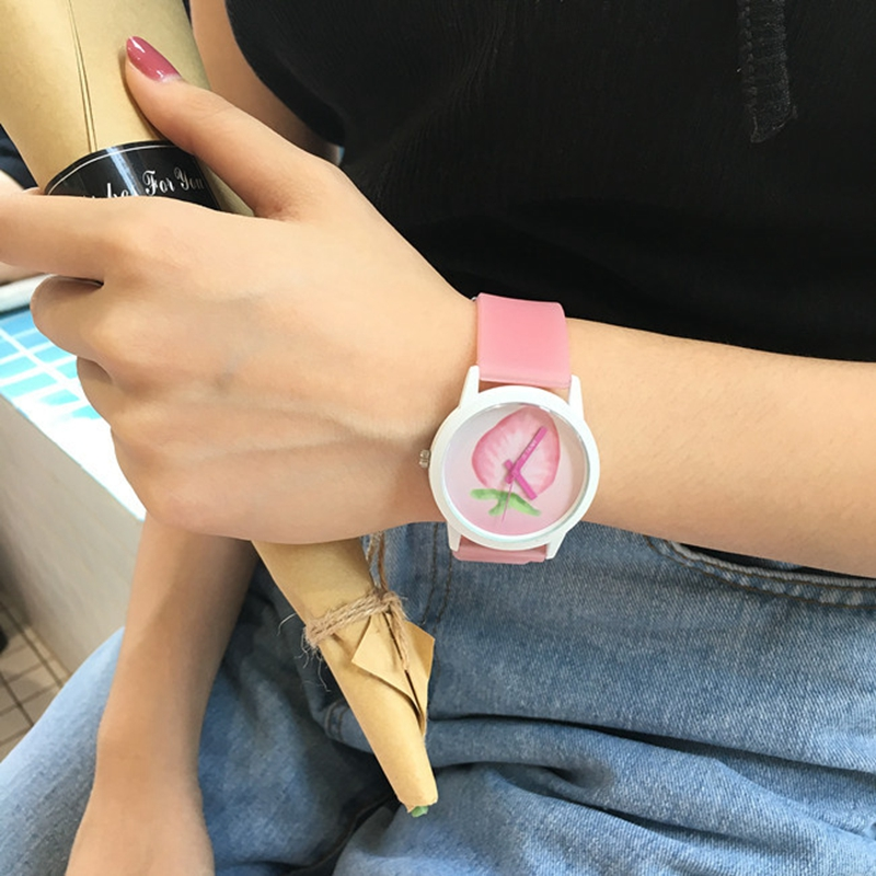Women Watches Strawberry Clock Quartz Silicone Femme Casual Ladies Fashion Lovely Relog