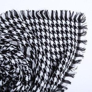 Image 5 - Mulheres inverno grosso moda macia quente senhora cashmere branco e preto longo houndstooth cachecol com borla