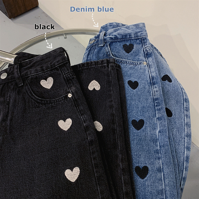 Baggy Jeans with black heart embroidery
