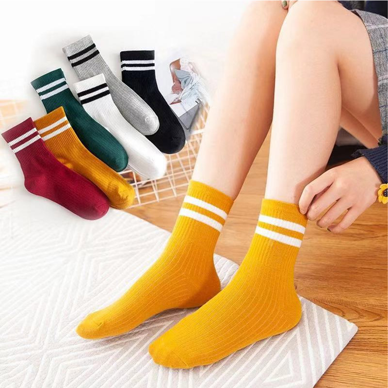 Funny Cute Japanese Socks Women Cotton Loose Striped Crew Socks Harajuku Designer Retro Girls Colorful Yellow White Black