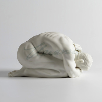 Veloni porcelain matt glaze naked man kneeling head buried birthday present decorated table decoration factory direct sales hot