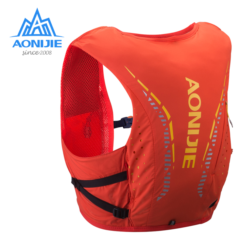 Aonijie Outdoor Backpack 8L Hydration Vest Ultralight Breathable Trail Running Bags For Camping Hiking With 1.5L Water Bag C958
