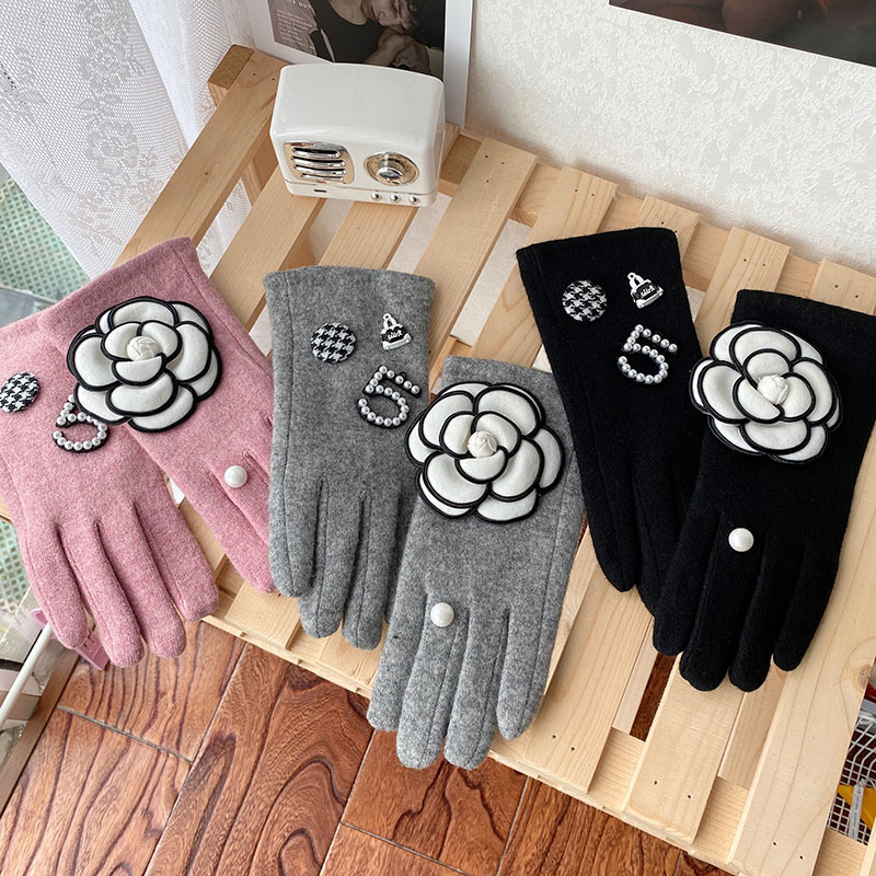 Winter Gloves for Women Classic Brand Cashmere Touch Screen Gloves Female Thick Mittens Drving Gloves Guantes
