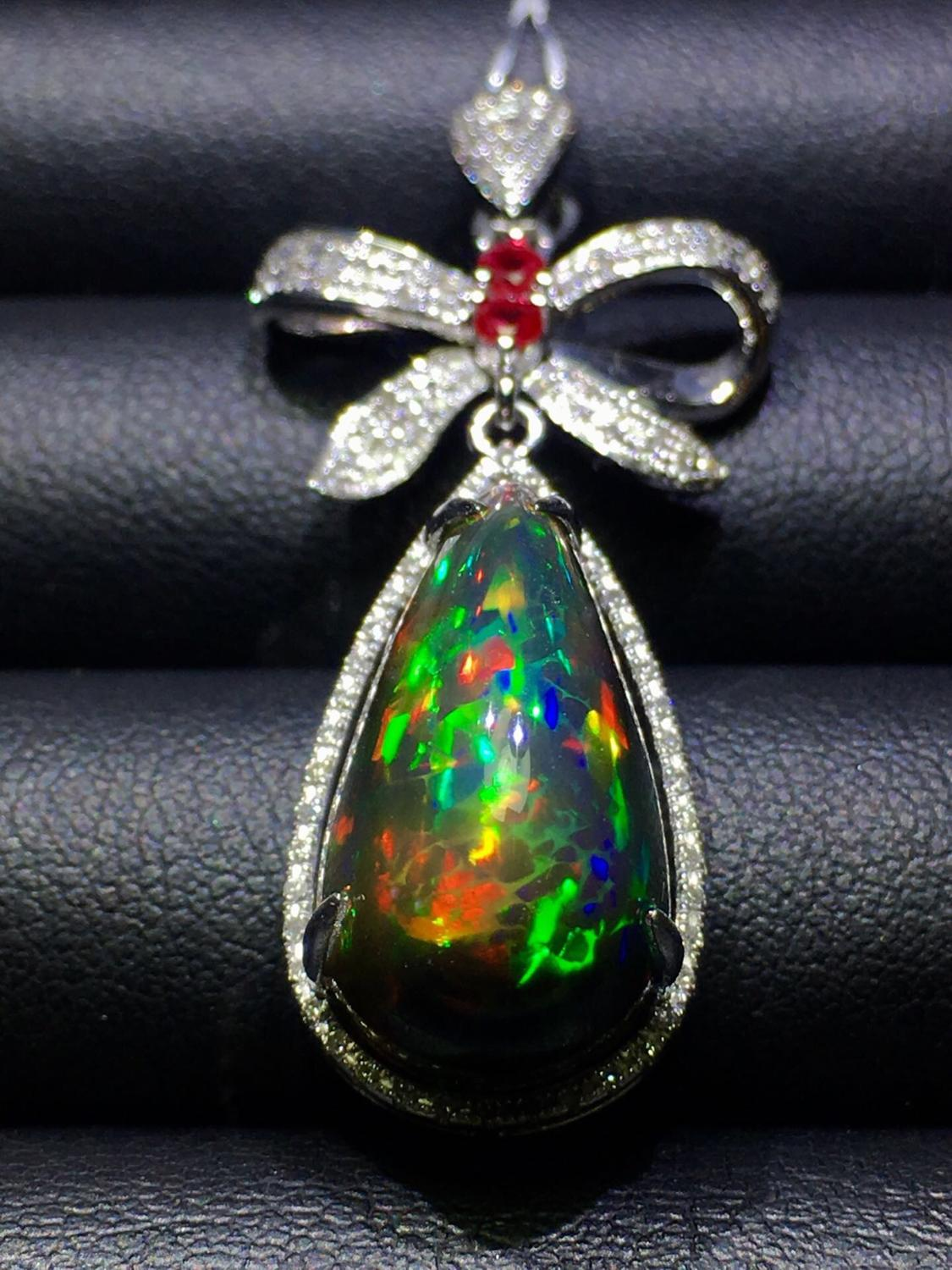 Fine Jewelry Pure 18 K Gold Natural Opal 9.8ct Diamonds Gemstone Female Pendant Necklaces Christmas Gift