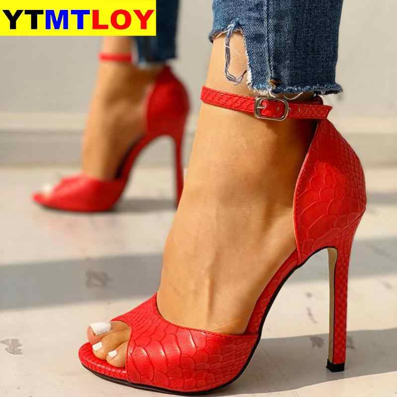 Kadın sandalet T-kayışı yüksek topuklu Chaussures Femme seksi striptizci ayakkabı yeni Peep Toe yaz yılan desen Peep Toe gladyatör 5