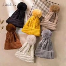 Chapeaux bonnet avec pompons pour femmes   Automne, hiver 2019, chapeaux de chapeaux tricotés au Crochet, casquettes garde au chaud en fourrure, pompon en boule