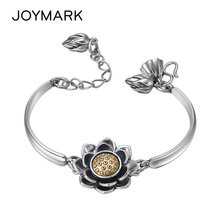 цена Fashion Classic Rotating Lotus Thai Silver Bracelet For Women Female Retro Handmade Craft 925 Sterling Silver Jewelry TSB511 онлайн в 2017 году
