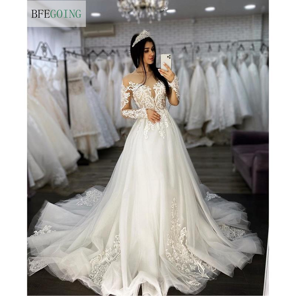 White Tulle Lace Appliques Long Sleeves Bridal Gown Floor-Length A-line Wedding Dress Chapel Train Custom Made
