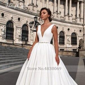 Image 4 - アシュリーキャロルサテン夜会服のウェディングドレス2020ビーズvネックノースリーブ背中高級王女の花嫁のガウンvestidoデnoiva