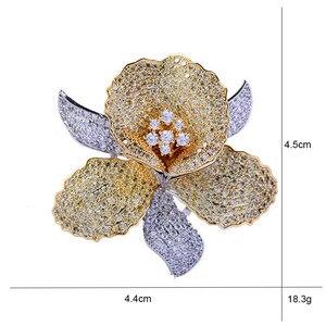 Image 2 - Luksusowe AAA cyrkon Rhinestone kwiat broszka Christmas Pin w stylu Vintage kryształ orchidea szpilki i broszki dla kobiet akcesoria biżuteria