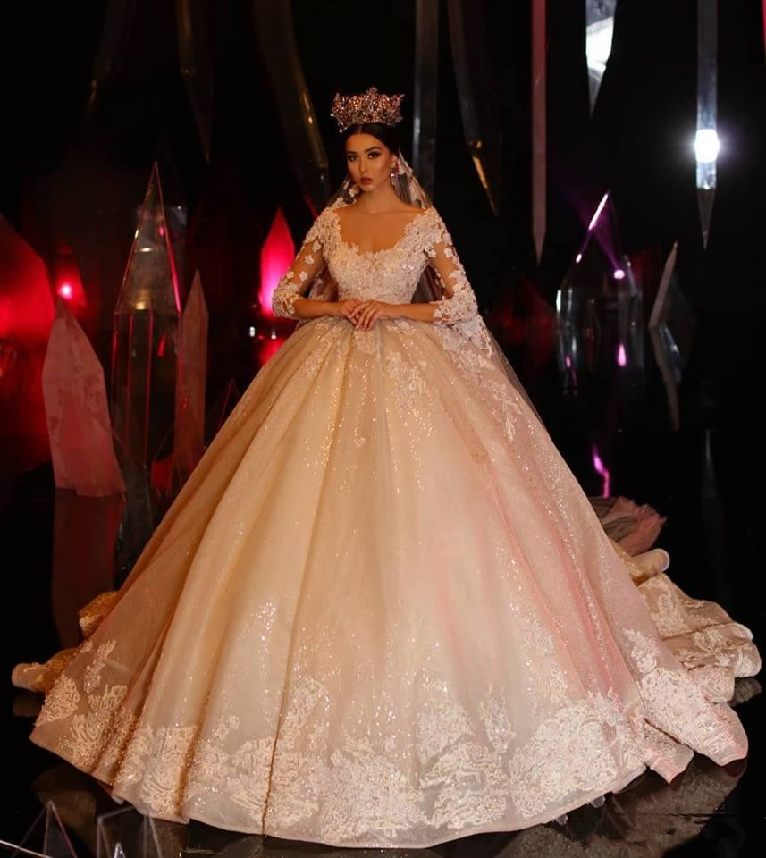 Luxury Crystal Princess Long Sleeve Ball Gown Wedding Dresses Lace Applique 2020 Wedding Gowns Vintage Gothic Dress Bridal Gowns