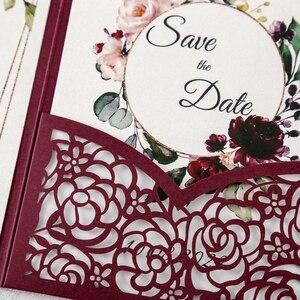 Image 2 - 100pcs 부르고뉴 새로운 로즈 결혼식 안내장 레이저는 결혼식/Quinceanera/생일을위한 꽃 주머니와 봉투를 가진 중공을 자른다