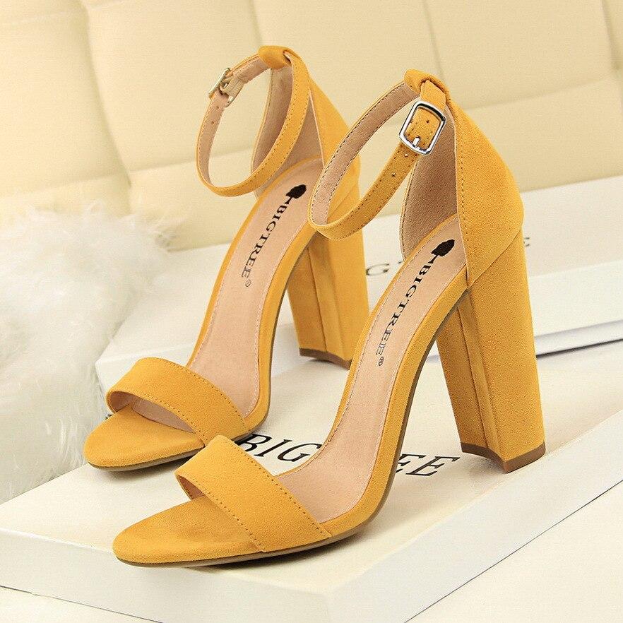 2020 nouvelles femmes pompes boucle femmes chaussures Sexy talons hauts bloc talons parti chaussures femmes talons daim femmes sandales grande taille 43