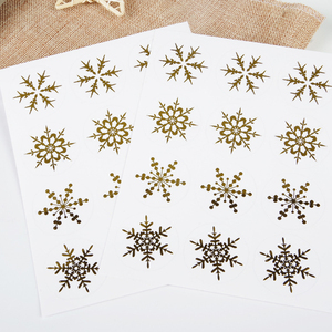 120pcs/pack 3.5cm Christmas Day Snowflake PVC Hot Golden Transparent Sealing Stickers Sealing Package Label Stationery