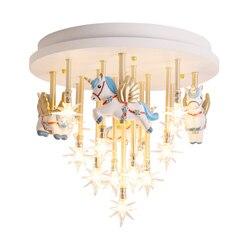 Sufit pokoju dziecięcego światło gwiazda kreatywny ciepły latający koń księżniczka pokój tysiąc papierowy żuraw Nordic zakontraktowane światła w sypialni w Oświetlenie sufitowe od Lampy i oświetlenie na