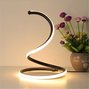 Nowoczesna lampa biurkowa przełącznik dotykowy ściemnianie lampa stołowa LED sypialnia obok lampy oświetlenie dekoracyjne biurko oświetlenie