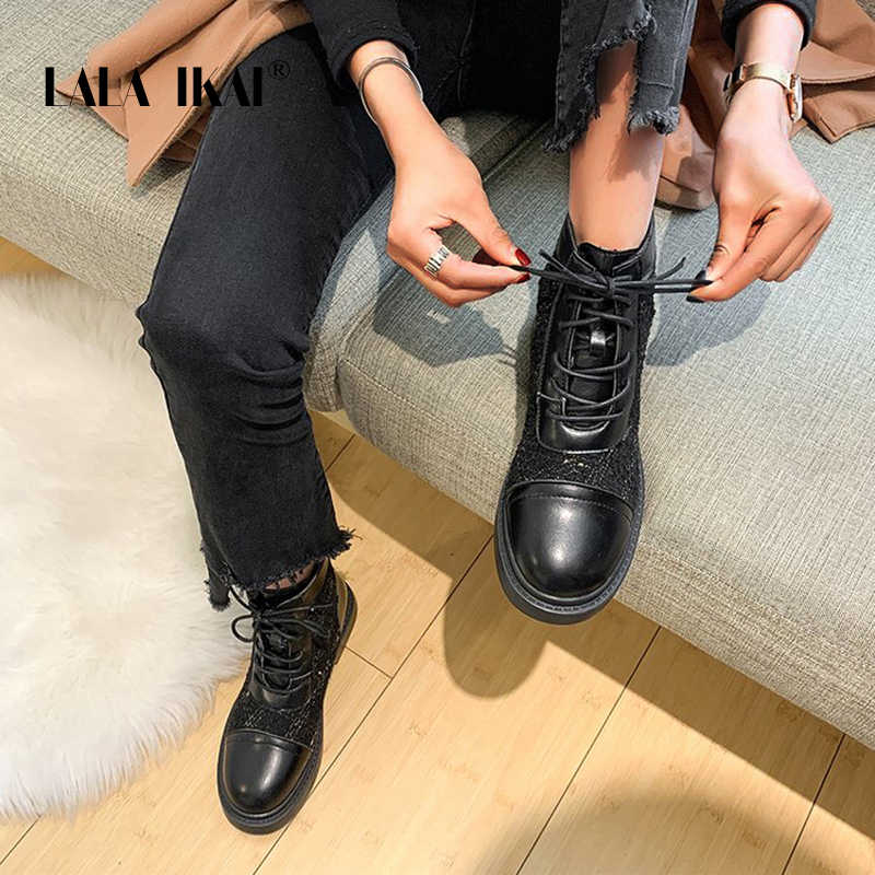 LALA IKAI çizmeler kadın kış sonbahar tekstil ayakkabı rahat dantel-up platformu yarım çizmeler kadın siyah beyaz kadın ayakkabı XWA10107-4