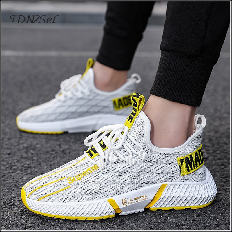 2020 Mens Casual Professional Knitted Sneakers Breathable Fly Knit Running Shoes Outdoor Sports Walking Athletic Unisex Sneakers