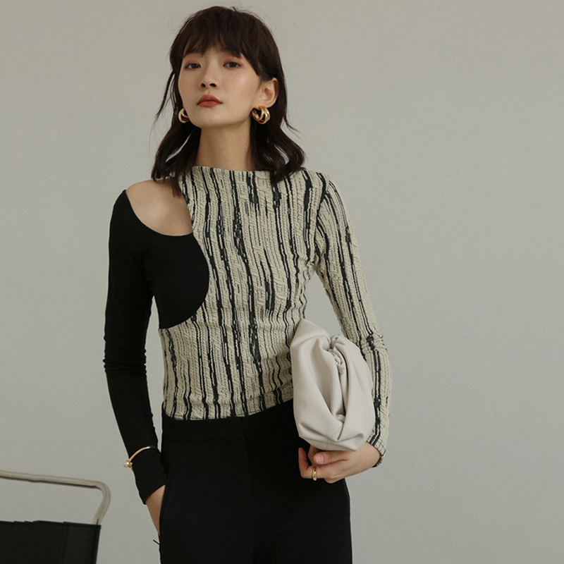 [EAM] Women Black Striped Hollow Out Temperament T-shirt New Round Neck Long Sleeve  Fashion Tide  Spring Summer 2020 1W148 3