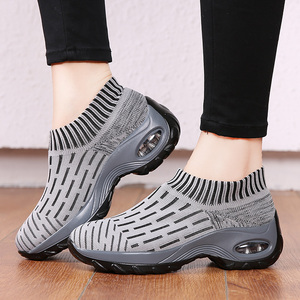 Image 2 - STQ Women Shoes Winter Flats Sneakers Shoes Breathable Mesh Shoes Women Sneakers Ladies Slip On Creepers Shoes Woman TF1972
