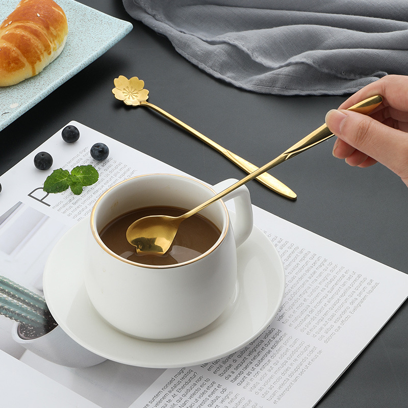 Long Handle Stirring Coffee Spoon Stainless Steel Spoon Home Creative Japanese Cute Petal Dessert Spoons Golden Heart-shaped