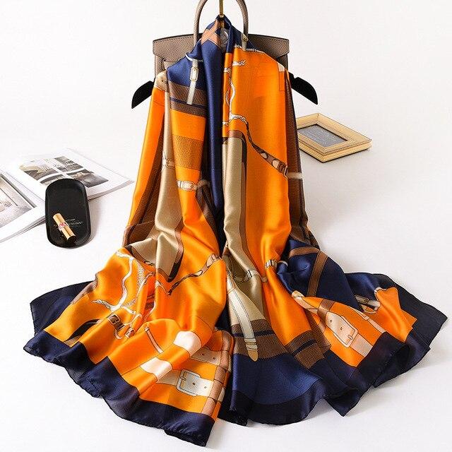 Écharpes en soie à motifs 1