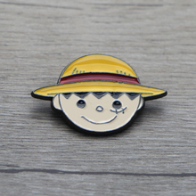 K143 One Piece Cute Pins Metal Badge Cartoon Character Kawaii Icon on The Backpack Pin Brooches for Women Men Collar