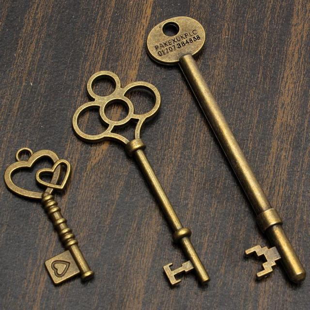 KiWarm DIY 18Pcs Antique Vintage Old Look Skeleton Bronze Key Chain Lot Chic Pendant Heart Bow Lock Steampunk Charms Decorations 4