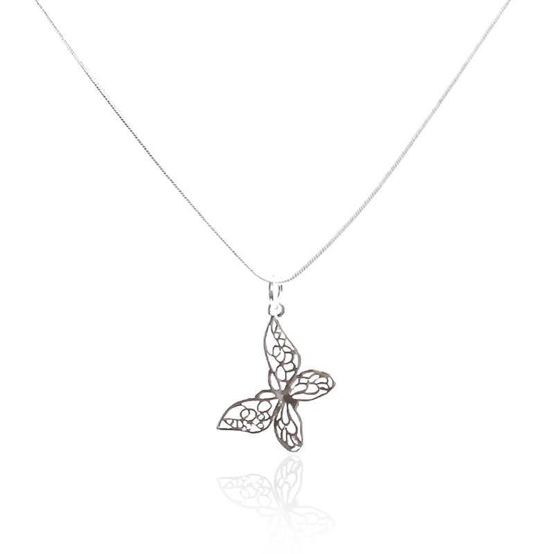925 シルバー色の蝶ネックレスペンダント女性のためのエレガントな蝶ショートネックレススターリングシルバージュエリー