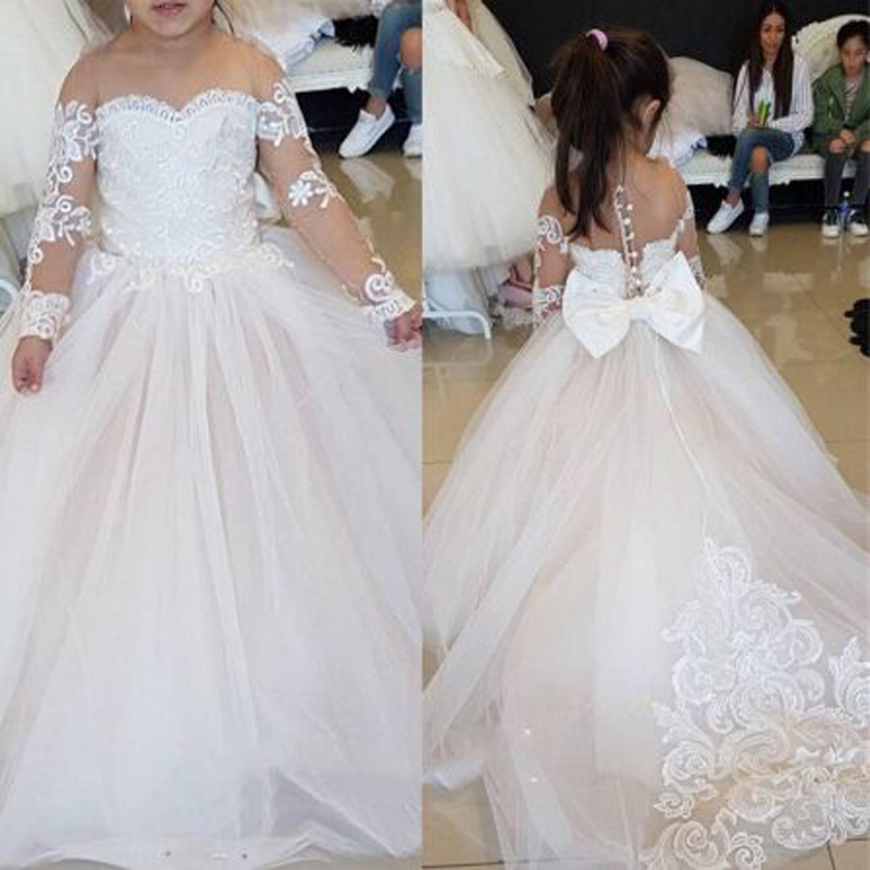 Vintage Applique Bow Button Sequined Ball Gown   Flower     Girls     Dresses   Cute Half Sleeve Sweetheart Neck Floor Length Communion Gown