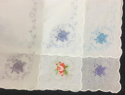 Набор из 12 модных свадебных носовых платков для новобрачных белый Хлопковый носовой платок с зубчатыми краями и цветной вышивкой носовой