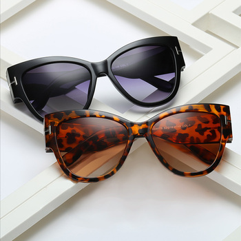 Fashion Oversized Sunglasses Women 2021 New Designer Cat Eye Sunglasses Shades for Women Sun Glasses Luxury Brand Outdoor Travel