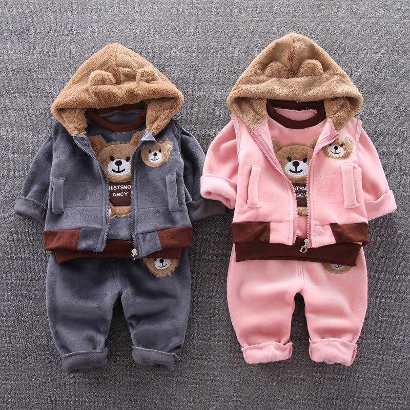 Детская одежда на осень и зиму, бархатный свитер с длинным рукавом для мальчиков и девочек, теплый жилет с капюшоном, хлопковый костюм из трех предметов с мультяшным медведем|Комплекты одежды| | АлиЭкспресс