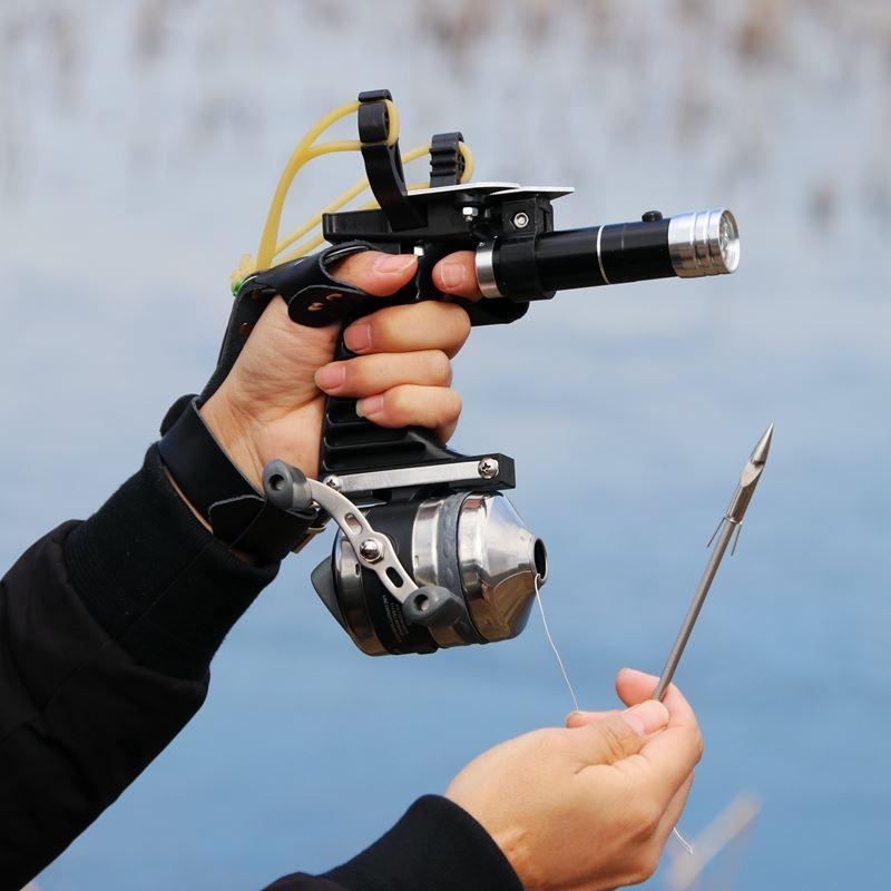 새로운 낚시 세트 슬링 샷 사냥 투석기 야외 촬영 낚시 릴 + 다트 보호 장갑 손전등 도구