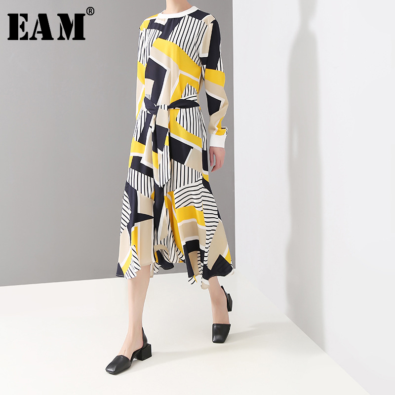 [EAM] 2020 New Spring Autumn Round Neck Long Sleeve Yellow Striped Split Joint Irrgeular Loose Dress Women Fashion Tide JQ894