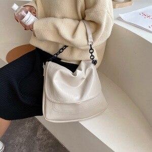 Image 4 - Bolsa feminina de couro sintético, corrente de ombro cor sólida, preta, de viagem, para mulheres, simples, elegante, 2019