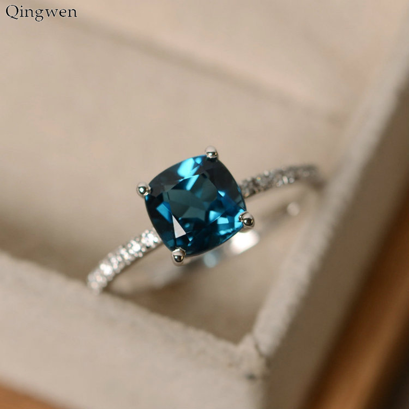 Qingwen Fashion Ring Big Square Sky Blue Stone Rings for Women Jewelry Wedding Engagement Gifts Luxury Inlaid Stone Rings CE0776