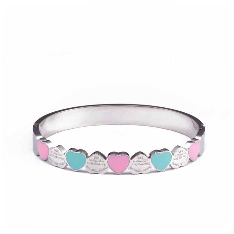Sweet Heart Charm Cuff Bangles For Girls Stainless Steel Gold Plating 8mm Width Luxury Wristband Wedding Women Female Jewelry